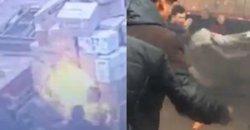 หนุ่มคลั่ง จุดไฟเผาตัวเอง ต่อหน้าแม่บังเกิดเกล้า ที่ร้องไห้ปริ่มขาดใจ หลังลูกชายทะเลาะเพื่อนร่วมงาน