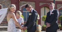 งานแต่งงาน ของคู่รักถูกขัดจังหวะ เพราะหนูน้อยเดินมาบอกว่าปวดอึ! ทำฮาลั่นกันทั้งงาน