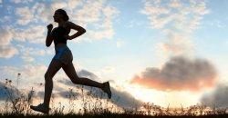 นักวิจัยเผยการวิ่งมากไปไม่ได้ช่วยให้สุขภาพดีขึ้น มาดูกันว่าคุณควรจะวิ่งในระยะทางเท่าไหร่ถึงจะดี