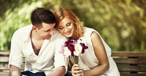 ความหมายของดอกกุหลาบแต่ละสี และให้กี่ดอกสื่อความหมายยังไง มาดูกัน!