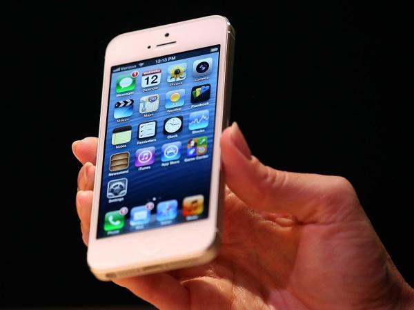 iPhone SE เผย 9 สิ่งที่คุณควรรู้เกี่ยวกับรุ่นนี้พร้อมราคาก่อนบุกตลาดสู้กับ Galaxy S7