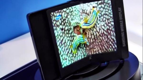Samsung เตรียมเปิดตัวสมาร์ทโฟนพับได้งอได้ เป็นทั้งแท็บเล็ตและสมาร์ทโฟนในเวลาเดียวกัน