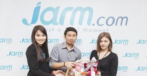 MONO ผู้นำเทรนด์ออนไลน์และทีวีดิจิตอล แวะมาสวัสดีปีใหม่ Jarm.com
