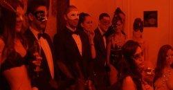 นักข่าวสาวโผล่ร่วมงานปาร์ตี้สุดเอ็กซ์คลูซีฟ ที่ค่าตั๋วแพงหูฉี่ แต่สาวๆ เข้าฟรี งานนี้มีแต่ไฮโซ