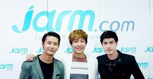 3 หนุ่ม What Men Want Project แวะมาเยี่ยมเยียนแฟน ๆ Jarm.com พร้อมฝากผลงานเพลง