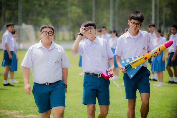 """สหมงคลฟิล์ม ส่งหนังวัยรุ่นทะลึ่งฮา """"15+ ไอคิวกระฉูด"""" สร้างสีสันฟันฟินให้วงการหนังไทยครึ่งปีหลัง 2560"""