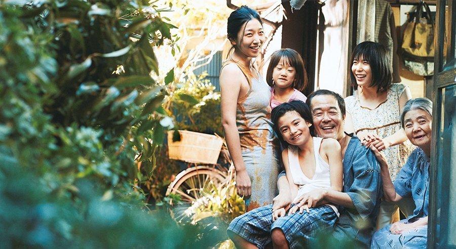 Shoplifters เจ้าของรางวัลปาล์มทองคำจากคานส์ปีล่าสุด เปิดตัวอันดับ 1 ใน Japan Box Office 7 วัน